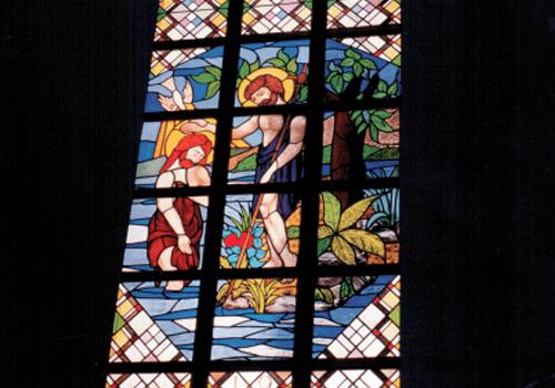 Glas-in-lood in hoge ramen voor kerken